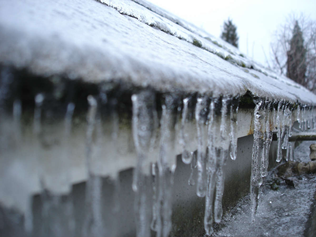 Ice Dams In The Gutters