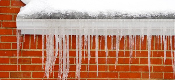 Gutter Cleaning In the winter