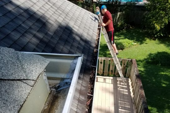 Barry S Gutters St Louis We Get Gutters Clean Let Us Take
